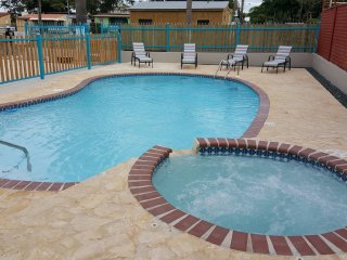 Playa Azul Apartments sleep 16, WiFi, A/C, pool, walking distance Combate beach, Cabo Rojo