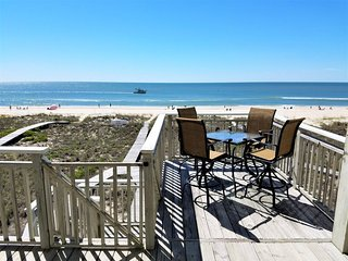 Sun Goddess 3BR/3BA Newly renovated Beachfront home near the Lighthouse, St. George Island