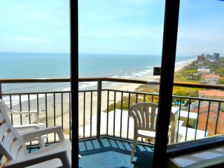 Romance in Penthouse 37 at Monterey Bay/Best View at Beach/60'Tvs/Fireplace/King, Myrtle Beach