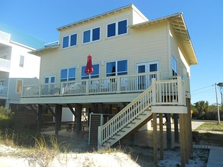 Tropical Daze! a Beautiful Beachfront 3Br/3Ba Pet Friendly Home