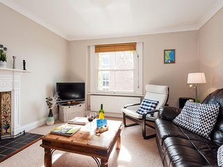 Hogarth Road Nest apartment in Kensington & Chelsea with WiFi.