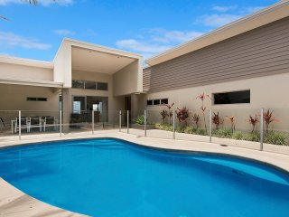 Sescape on Sunrise | Ocean Views | 4 Bed House