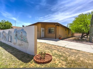 "3 bdrm, 2 bath- ""OMG! THIS PLACE WAS PERFECT!"" Close to U of A and Downtn Tucson"