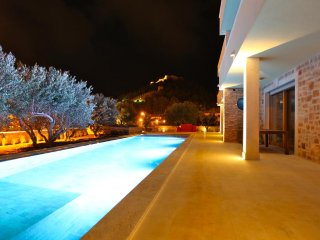 Apartment in Villa in Mediterranean style for rent, Hvar with 18 meter pool