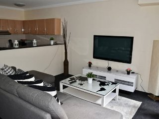 Fantastic 2 Bedrooms Apt Darling Harbour! Free parking (3)