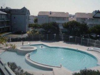 Studio vue s/ mer, piscine + terrains de tennis