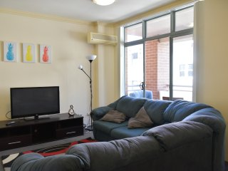 Deluxe 2 Bedrooms Apt in Darling Harbour. Free Parking (61)