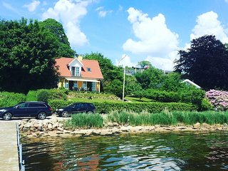 Fantastic house with direct access to Fjord, private beach and bridge