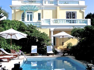 Belle Epoque Villa on Mont Boron, stunning sea view, heated private pool