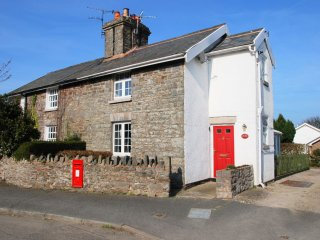 "The Old Post Office - ""A perfect village cottage across from a lovely country"