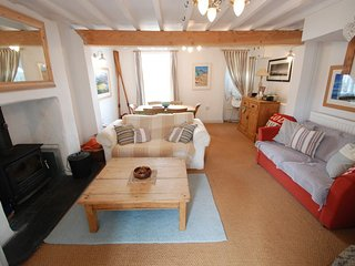 "The Cottage - ""A cool spot for surfers and seasiders alike!"", Abersoch"