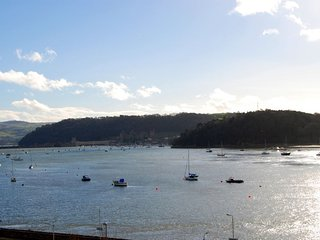 "Estuary View Apartment - ""Some of the finest sea views on the coast!"""
