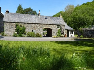 "Caretaker's Cottage - ""A stylish former coach house in Snowdonia!"""