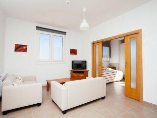 No 8 - Apartamento turistico nuevo de dos dormitorios al lado de San Sebastian
