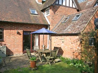 Horseshoe Cottage is a barn conversion in the quiet village of Mentmore