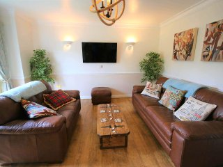 Apsley Lock, beautiful 2 double bed apartment with canal views - NEW LISTING, Hemel Hempstead