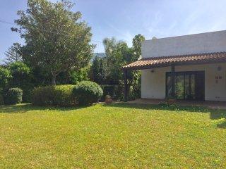 Villa immersa nel verde (Mondello)