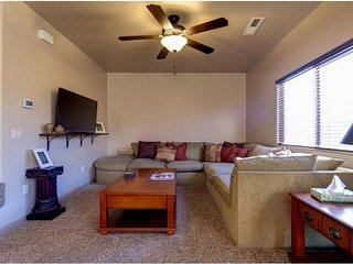 Red Rock 66 | St. George, UT PRICE REDUCED by 20% book online April special