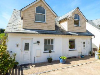 56 TREROSE COOMBE, semi-detached cottage, three bedrooms, pets welcome, in, Downderry