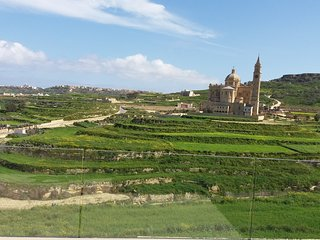 Farmhouse Upon a Valley Surrounded by Hills, Gharb