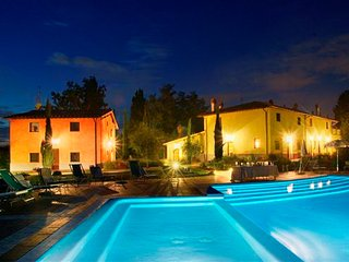 Montaione - Ideal for Couples and Families, Beautiful Pool and Beach