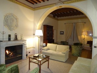 Old Villa 15 mins from Pisa International Airport - 1 DOUBLE ROOM MOUNT SIDE