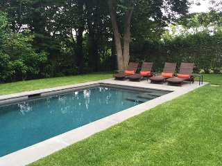 CLASSIC COLONIAL LUXURY HOME IN EDGARTOWN WITH A HEATED POOL