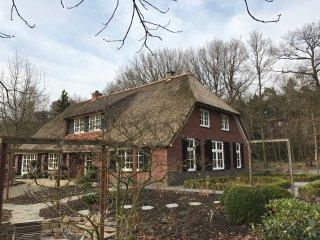 Gastenverblijf Maarkels Mooiste  een nostalgische Twentse boerderij, Markelo