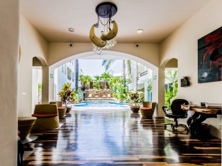 PK14 - Pool view 2 Bed 2 Bath - downtown Playa Del Carmen