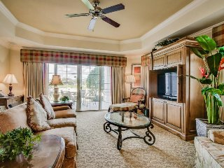 Luxurious condo with access to shared resort pools, hot tub, game rooms, & more!