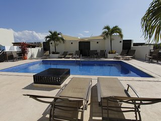 LOW RATES PENTHOUSE Close to the beach and the 5th Av! Perfect for Families, Playa del Carmen