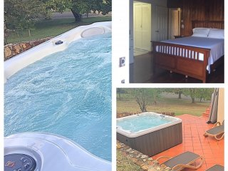 Sephina Villa, Large Double Room, Near Golf, Beach, Hot tub/Plunge Pool