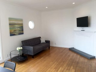 2BR: Modern, Wired, Nice Ocean View, Clean (00), San Francisco