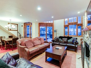 Ski-in/out condo w/private hot tub & in-home steam room/sauna!, Telluride