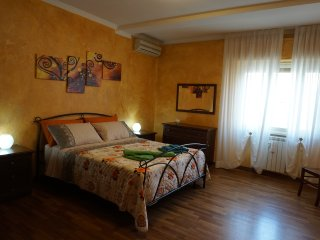 Garbatella apartment near the Colosseum with Wi-fi and air conditioning