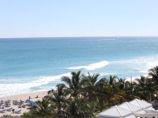 2 beautiful Studios for up to 8 guests, with partial Ocean View, Oceanfront Bldg