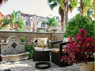 Warm, Inviting, and Spacious Beach-Area Retreat, Oceanside