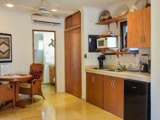 Blue Palms 305; lovely 2 bedroom, 2 bathroom suite