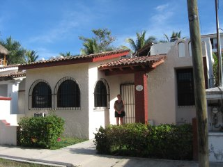 Beautiful Casa Flamingos Feliz-Close to Beach-Great Rates!