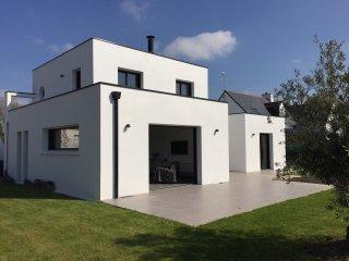 Maison contemporaine Benodet dans quartier residentiel
