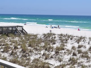 End unit with 2 balconies directly on Gulf of Mexico! 3Bd/ 2 1/2 B. GREAT VIEWS!