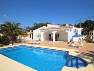 Albertina - private pool villa, free Wifi, in Calpe, La Llobella