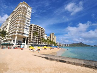 Beachfront at Waikiki Shore