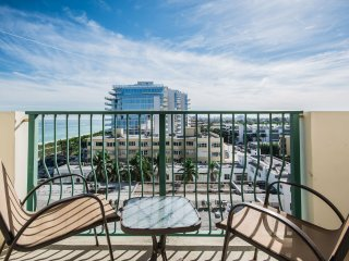 Holidays in Surfside Beach .7 - 1 Bedroom & 1 Bathdroom.
