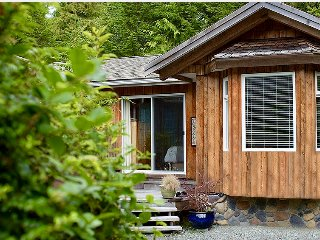 Cedar Shack - Private Beach Cabin with Private Hot Tub - 300' Feet to the Beach