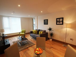 Fusion Court 1B apartment in Hackney with WiFi, balcony & lift.