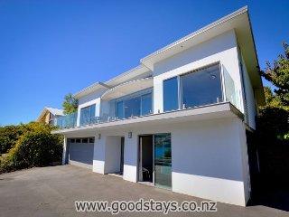 Penins Pan Views: NEW! 4 bedroom, 3 bathroom immaculate home - Stunning!