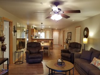 AVAILABLE*June 10-June 24*Boaters Lakefront~3 BR~Walk-In~Boat Slip Included~Pool, Hollister