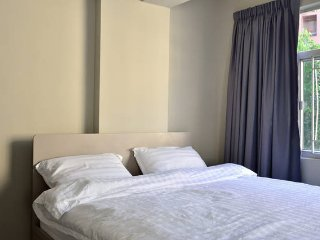 Soho Luxury Apt, All New Renos *1A