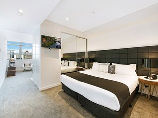 ARCH2 - Modern New Apartment in Heart of Chatswood